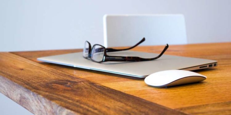 apple desk office technology
