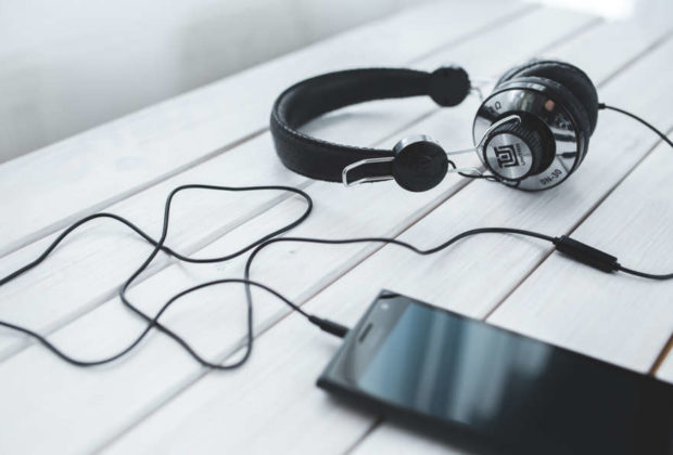 smartphone vintage technology music