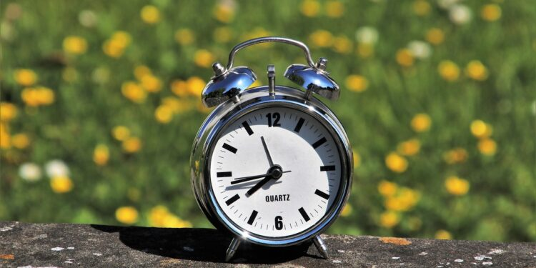 daylight saving time 3382879 1280