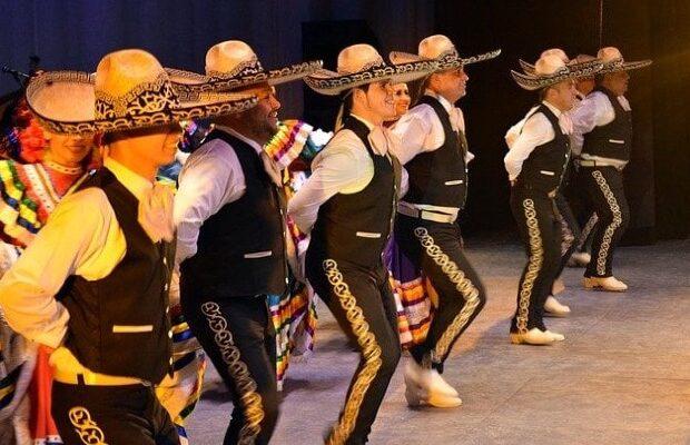 mariachis 5 mayo