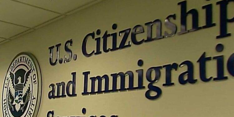 La Oficina de Inmigracion USCIS 1024x576 1